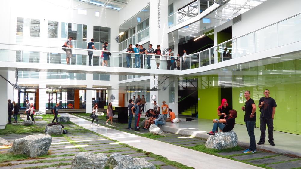 EISTI – Ecole Internationale des Sciences du Traitement de l'Information